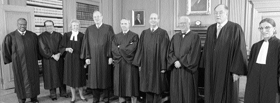 ABD Yüksek Mahkemesi üyeleri (soldan sa a) Clarence Thomas, Antonin Scalia, Sandra Day O Connor, Anthony M. Kennedy, David H. Souter, Stephen G. Breyer, John Paul Stevens, Mahkeme Ba kan William H.
