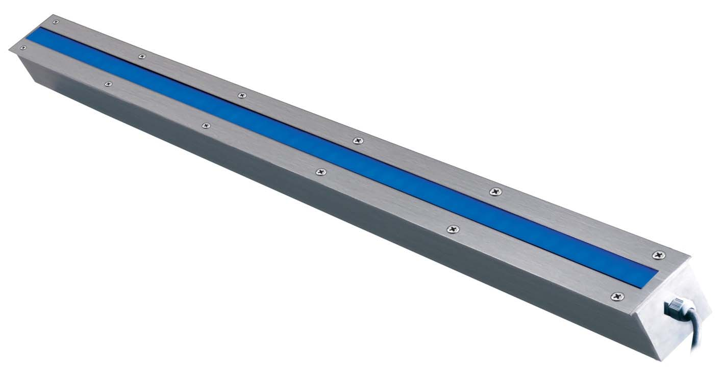 AMON In ground LED line for outdor use. AMON is designed to make end-toend installation, giving a continuous linear light without shadow gaps.