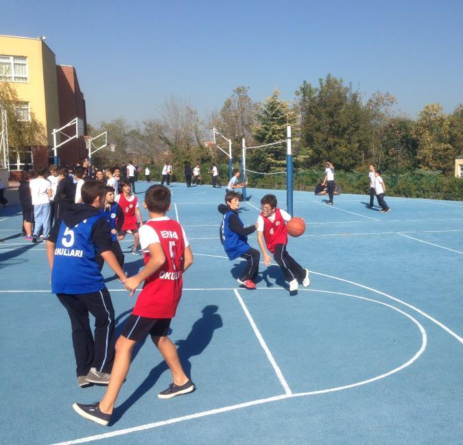 MIDDLESCHOOL STREETBALL Streetball matches contünue for Grade 7 and 8.