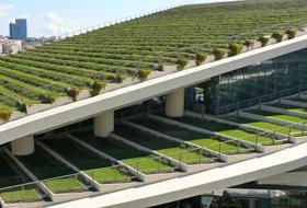 The main green part of this project generates a total 72,000 m² of extensive roof gardens. The Zorlu green roofs improve the microclimate by filtering dust and pollutants from the air.
